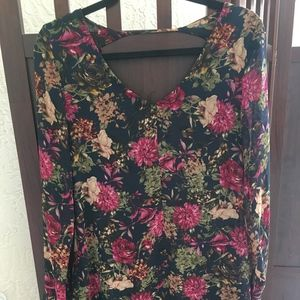 Astr Navy Blue/Floral Tunic-Excellent Condition- S